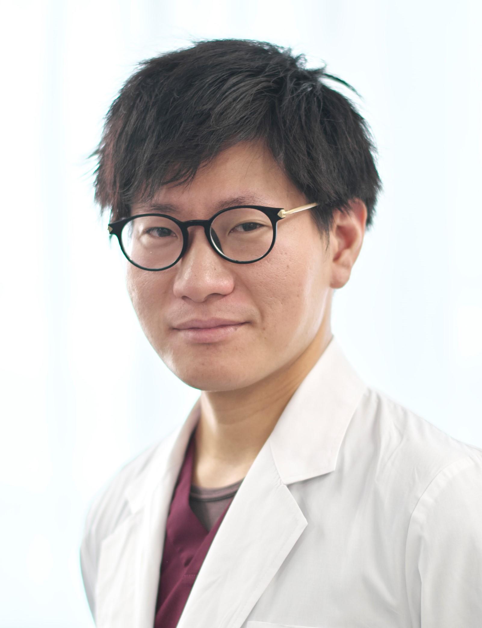 山崎Dr(脳外).jpg