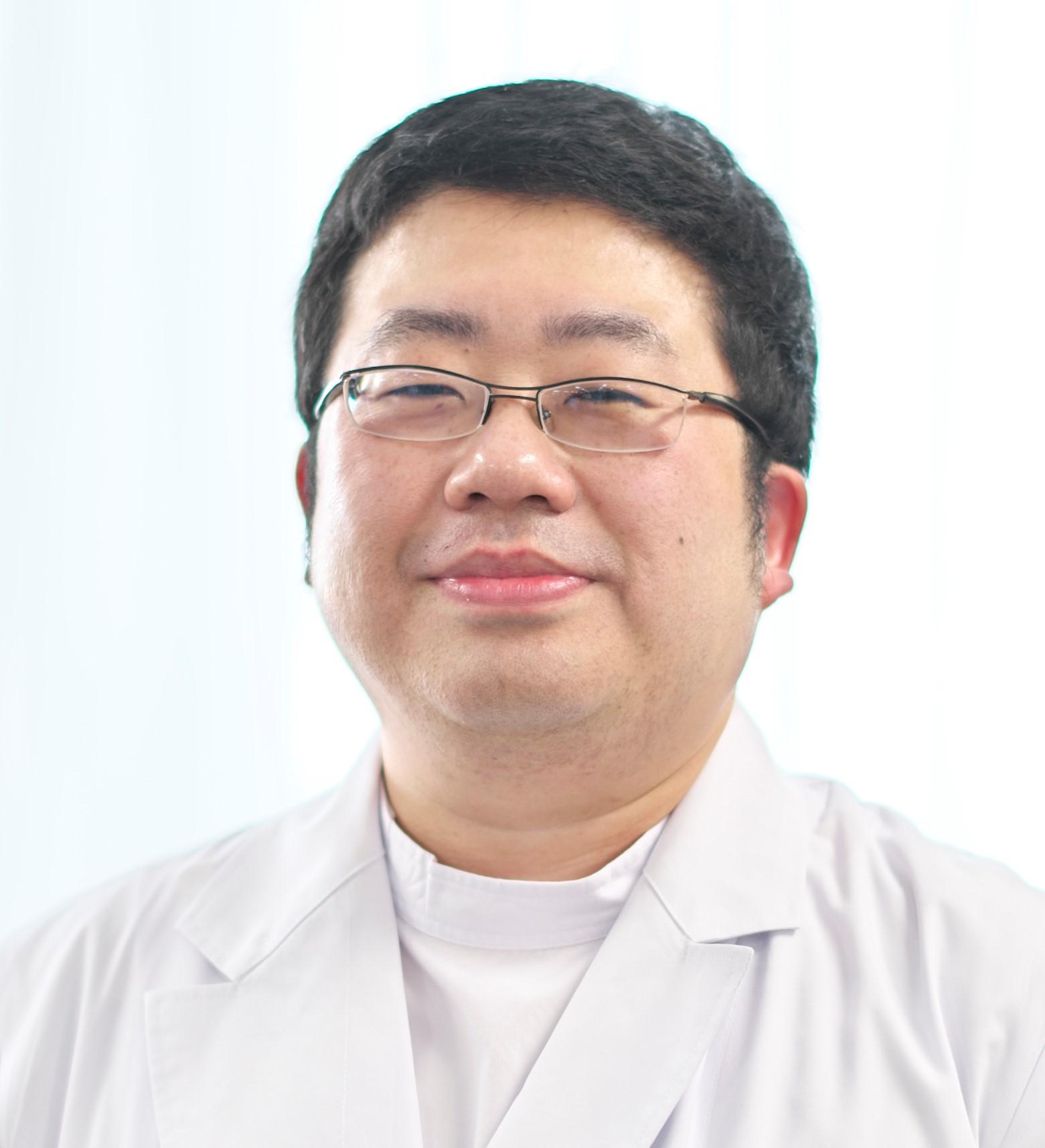 藤田Dr(整形).jpg