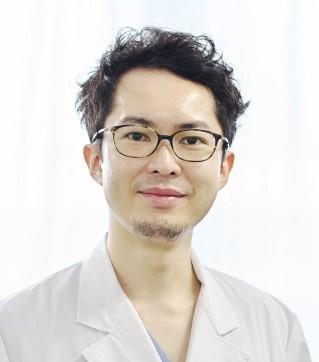 整形 太田Dr.jpg
