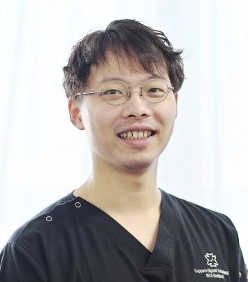 外科 西原Dr.jpg